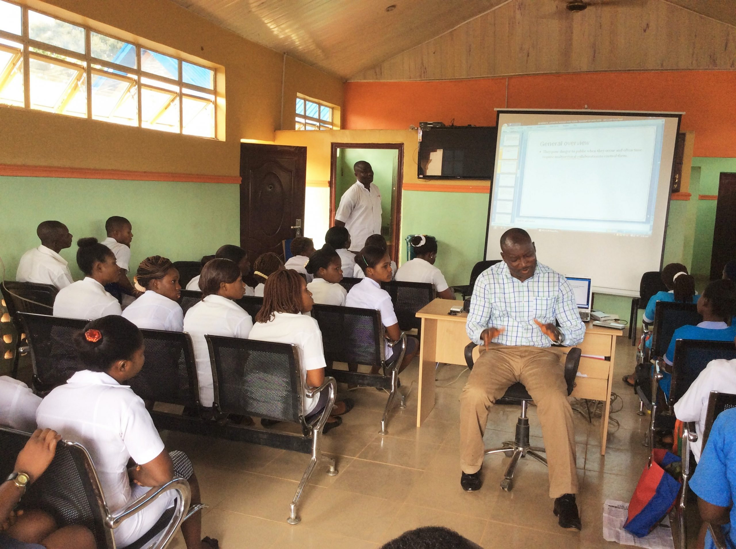 Health workers are receiving orientation training for the hub and spoke health systems in Nigeria.eiving o